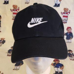 nike hat color black